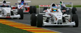 Formula BMW Vietoris leads the challenge for World Final pole