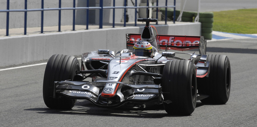 McLaren leads on second day of Jerez test