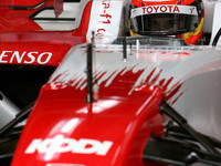 Toyota tops test times on final day in Jerez