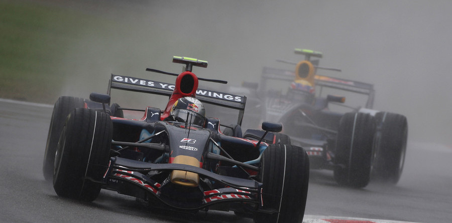 Vettel splashes to his first F1 pole in Italy