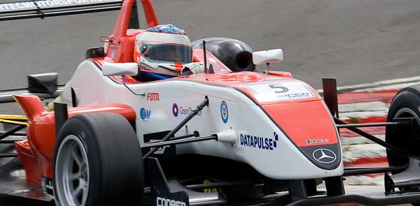 McKenzie fastest in Brands Hatch qualifying