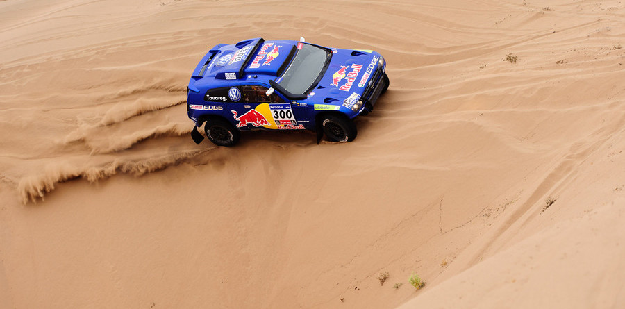 Sainz wins, but Al-Attiyah still in control