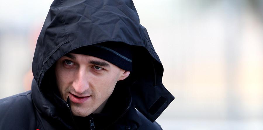 Kubica hospitalized after serious crash