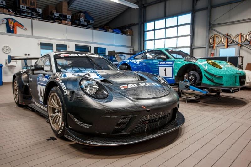 Falken nimmt neuen Porsche für VLN-Saison 2019 in Empfang