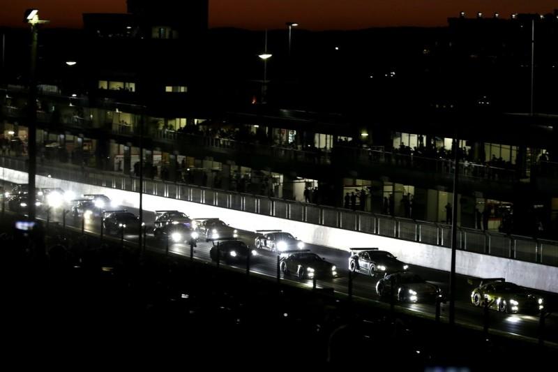 12h Bathurst 2019: Porsche und BMW mit frühen Opfern