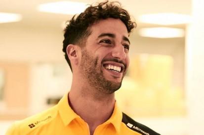 Bilder veröffentlicht: Daniel Ricciardo erstmals in Renault-Gelb