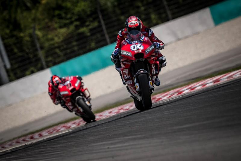 Ducati in Sepang: Dovizioso vergleicht Chassis - Petrucci sucht sein Gefühl