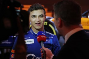 Sim-Racing statt Alko-Kater: Introducing Lando Norris!