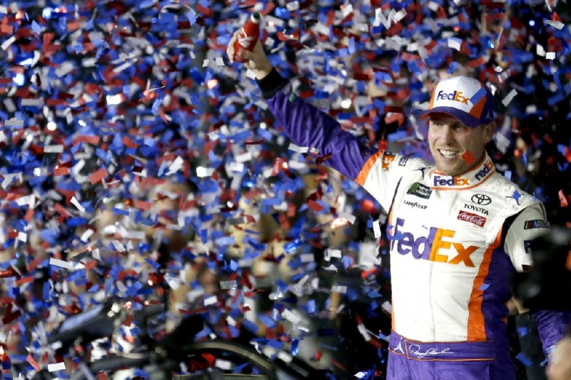 """Das ist für J.D."": Emotionaler Daytona-Sieg für Denny Hamlin und Joe Gibbs"