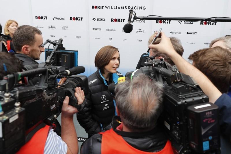 """Neuwagen-Verspätung ist Williams """"peinlich"""""""