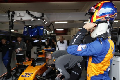 Feuer in der McLaren-Box: Drei Teammitglieder von Ärzten behandelt