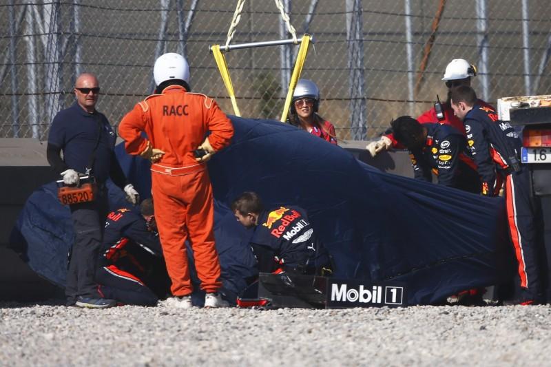 Formel-1-Tests 2019 Barcelona: Red-Bull-Crash und Ferrari-Sensation