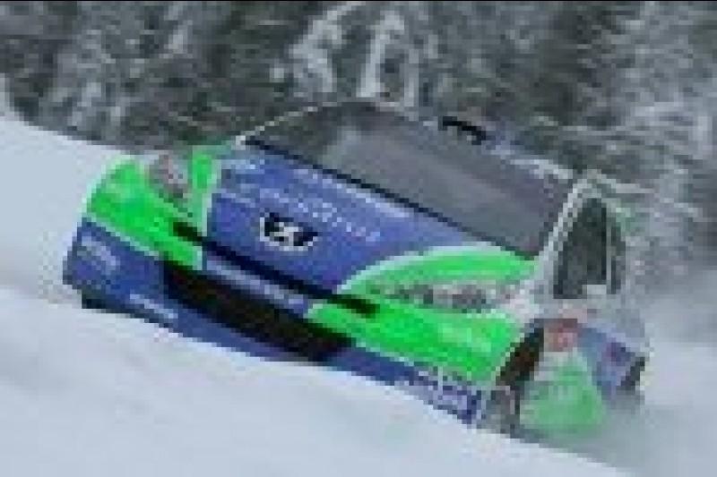 Peugeot w zaspie
