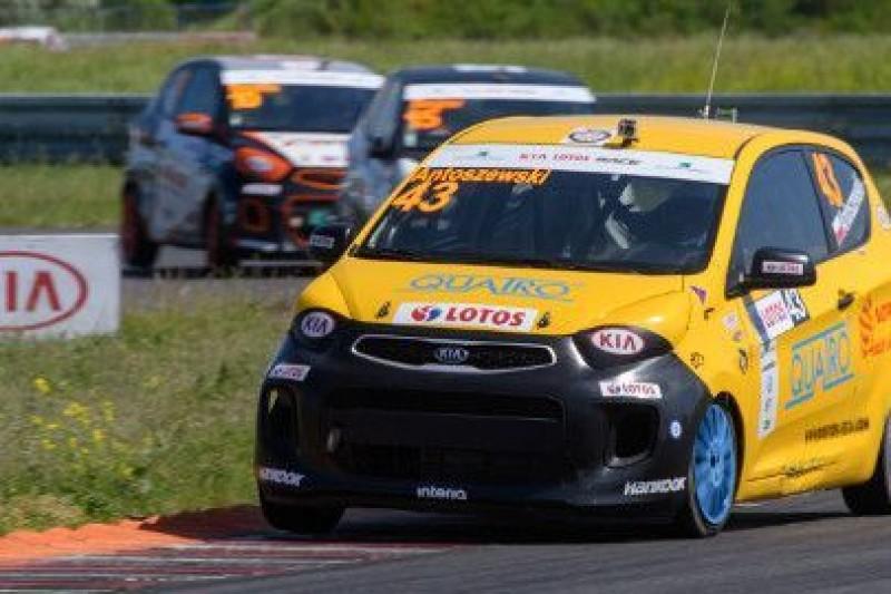 Jan Antoszewski i Kamil Serafin wygrywają wyścigi KIA LOTOS RACE na Torze Poznań