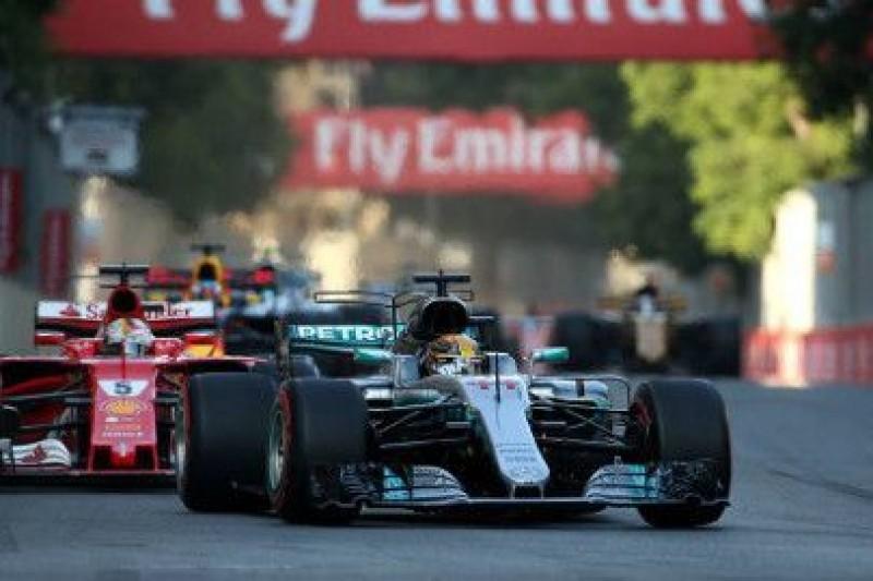 Vettel chce porozmawiać z Hamiltonem