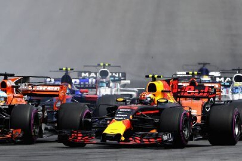 Verstappen pozostanie w Red Bullu