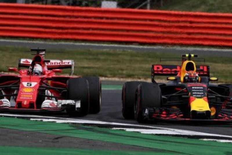Verstappen nieprzejęty skargami Vettela