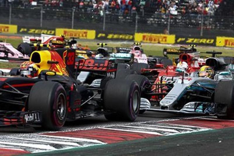 Lauda zaskoczony manewrem Vettela