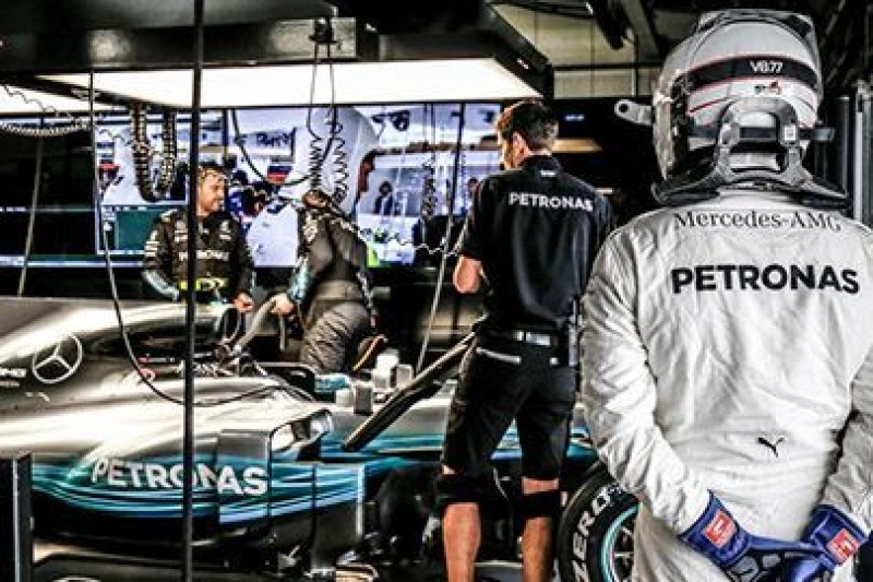 Bottas: Hamilton pracuje bardzo ciężko