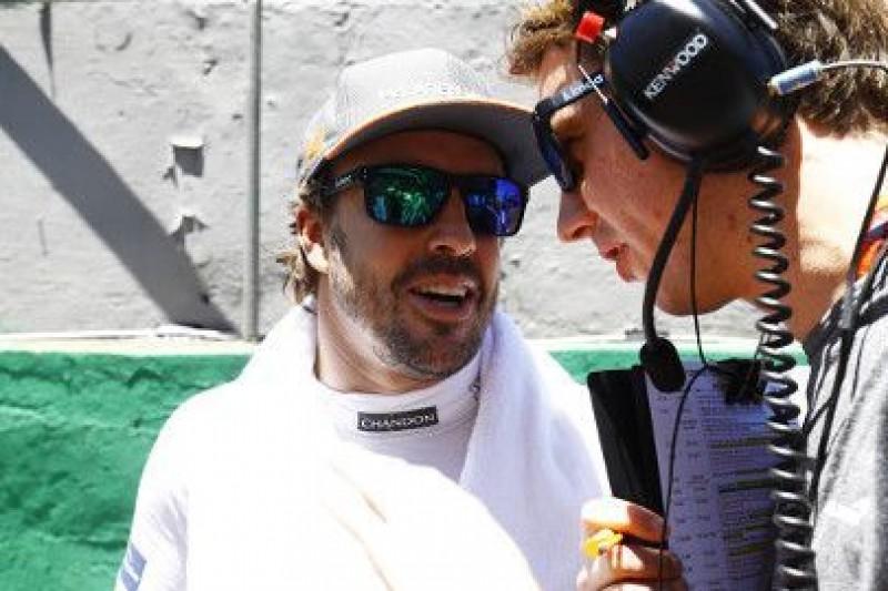 Alonso ostrzega Toro Rosso