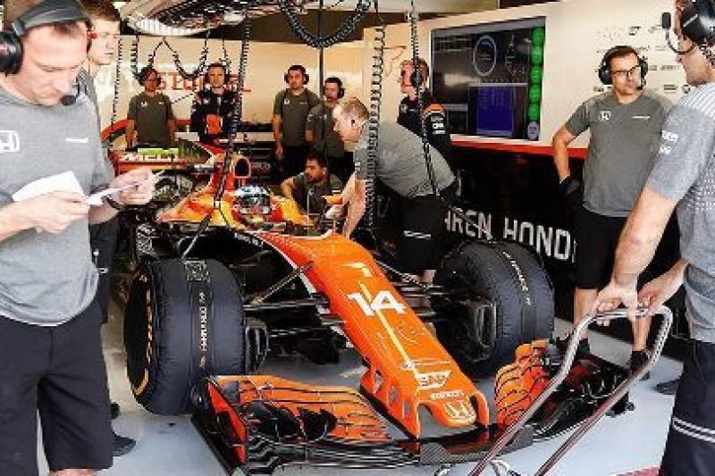 Alonso na hipermiękkich