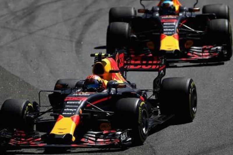 O połowę mniej wyprzedzań w F1