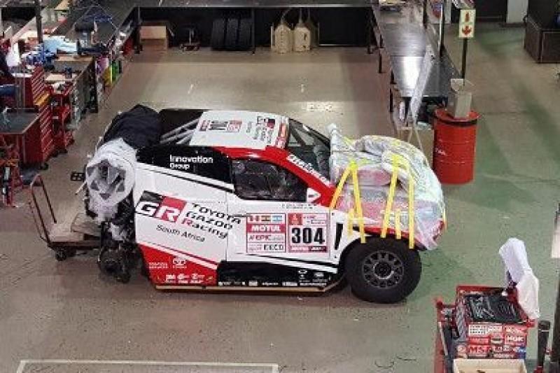 Toyota w drodze na Dakar