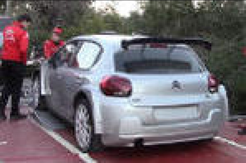 Citroën na dwóch frontach