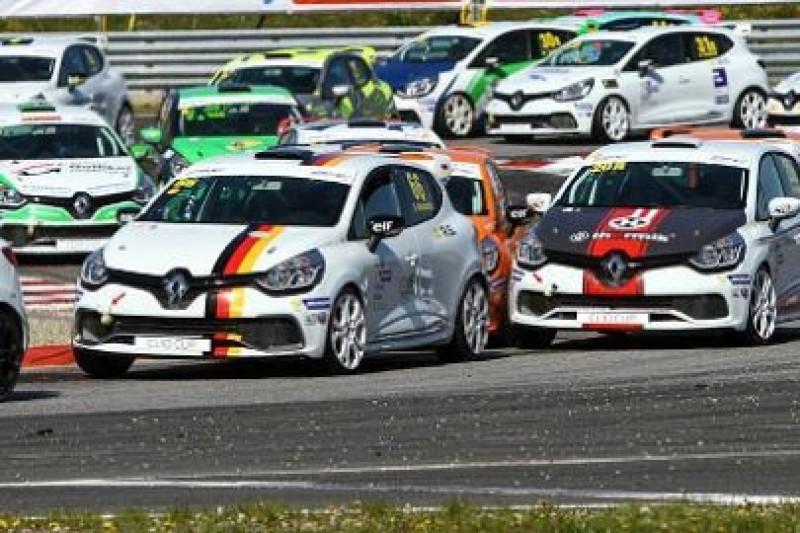10 Polaków w Clio Cup Central Europe