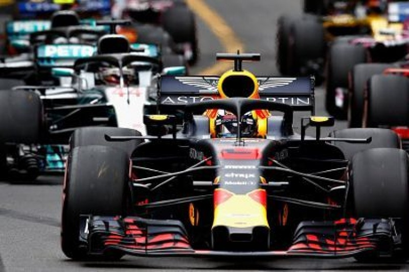 Silnik, nie Ricciardo, priorytetem dla Red Bulla