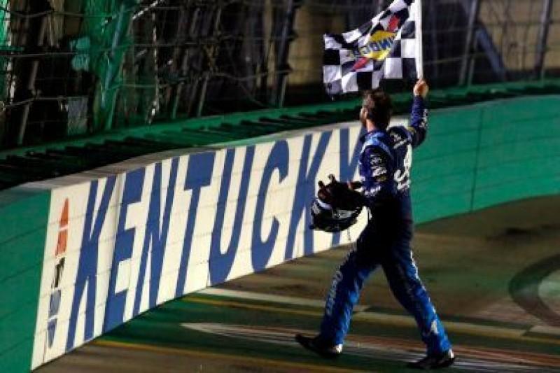 Truex bisuje w Kentucky