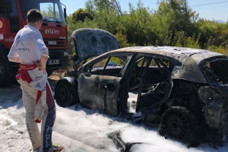 Citroen dokładnie zbada pożar C3 WRC