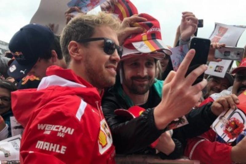 Ferrari ze starą podłogą