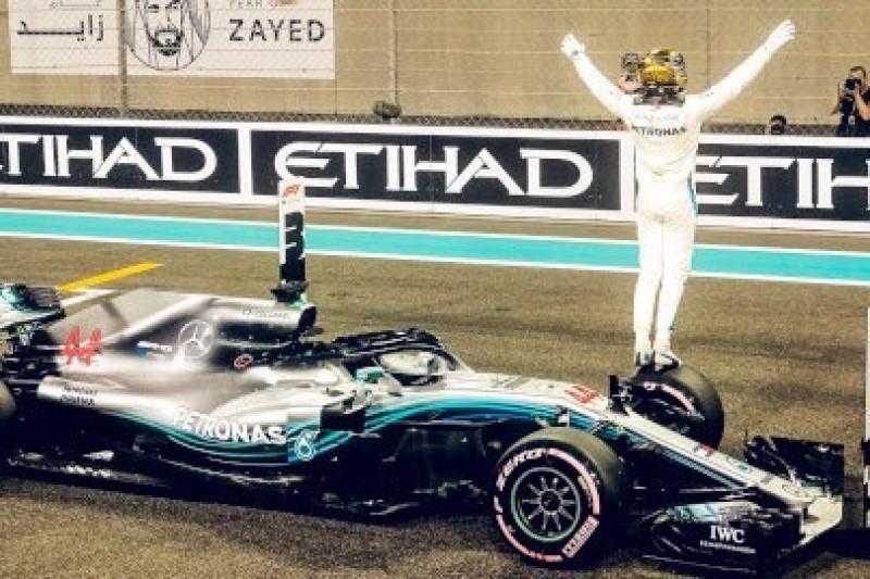 Mercedes rządzi pod Ferrari World