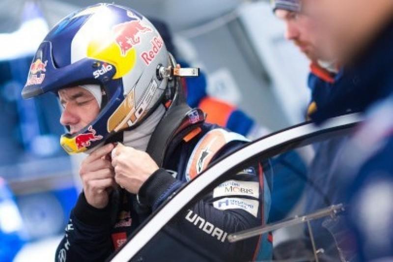 Loeb rolował na testach