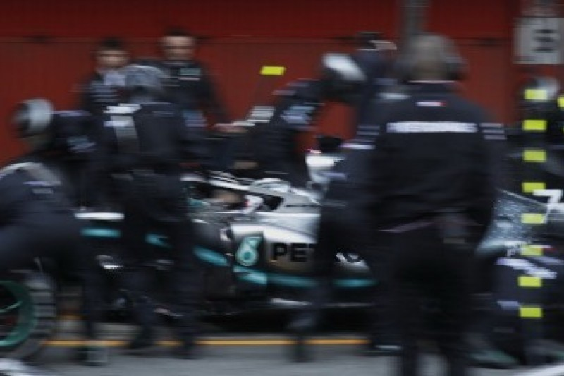 Mercedes pokazuje tempo