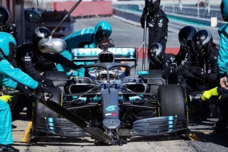 Hamilton już trzeci, Kubica trenuje pit stopy