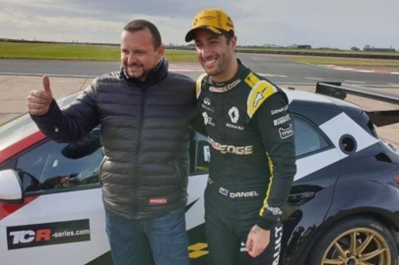 Ricciardo testował Mégane TCR