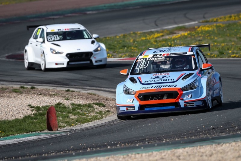 Hyundai und Team Engstler mit VIP-Auto in TCR Germany
