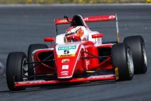 Formel 4 Oschersleben: Bestzeit für Ferrari-Junior Petecof