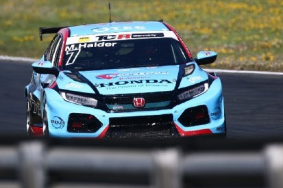 Mike Halder gewinnt im Honda Saisonauftakt der TCR Germany