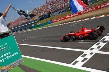 Ferrari dolblij na zege