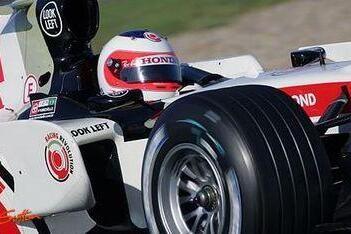 Barrichello hoopt op podium in Shanghai