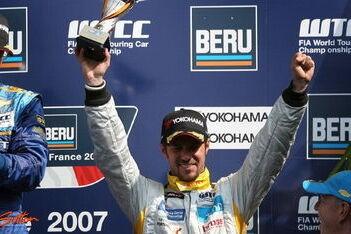 Monteiro scoort eerste podiumplekken in WTCC
