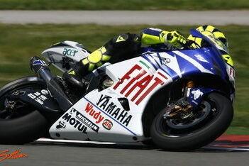 Pitt maandag in actie op machine van Rossi