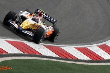 Dramatische kwalificatie voor Renault