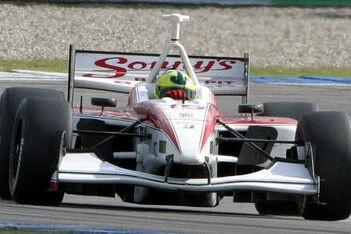 Junqueira start als zevende in honderdste race