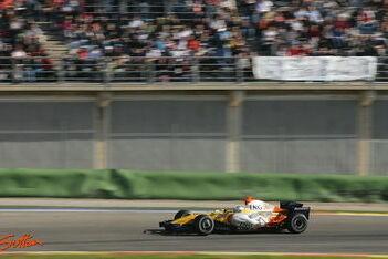Probleemloze tweede dag voor Alonso