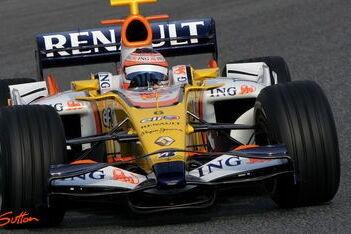 Renault begint rustig aan Barcelona-test