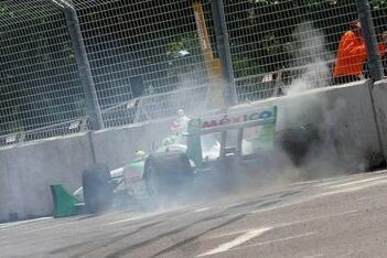 Team Mexico crasht zwaar in rookiesessies